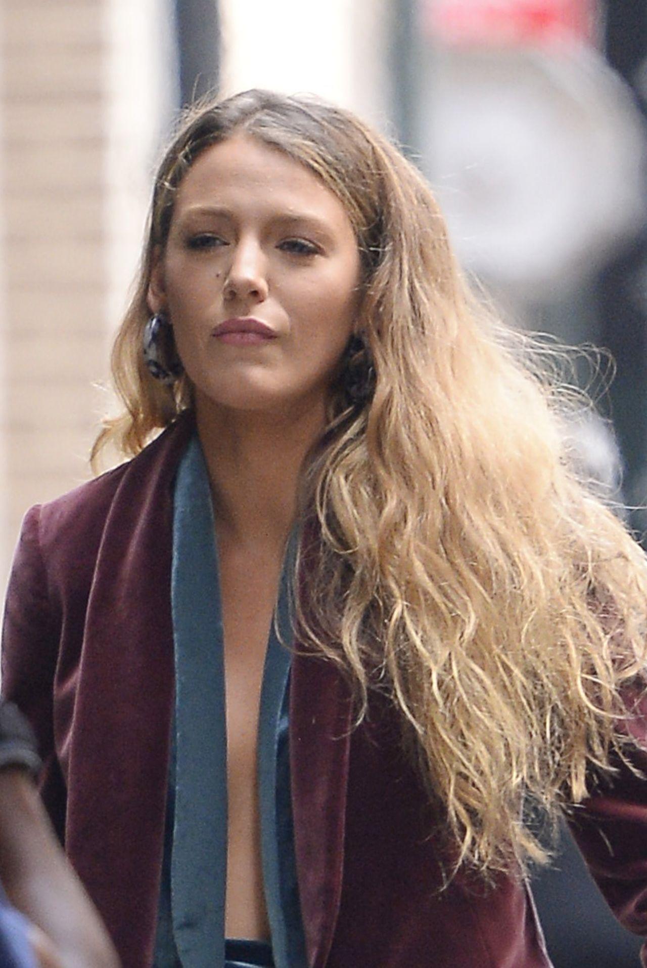 Blake Lively - Leaving...