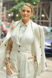 """Blake Lively - Promote Her Film """"A Simple Favor"""" in NYC"""