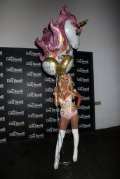 Brittany Andrews - Hosts Her Birthday Party at Crazy Horse 3 in Las Vegas 08/18/2018