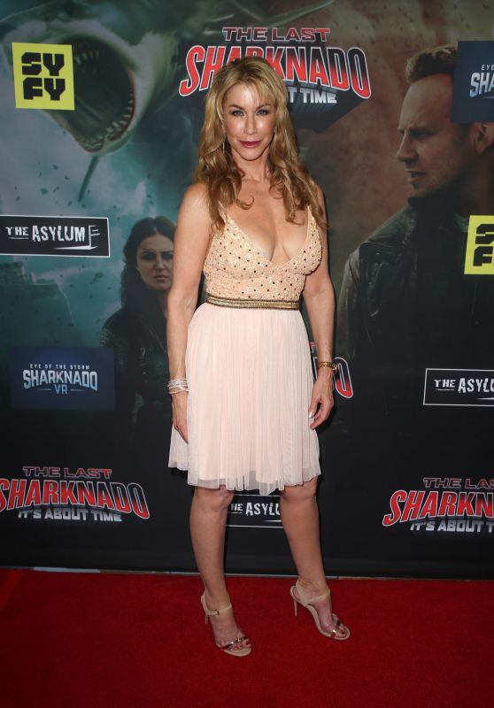 "Caroline Williams – ""The Last Sharknado: It's About Time"" Premiere in LA"