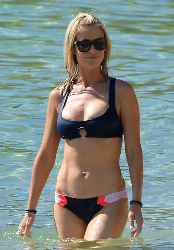 Christina El Moussa in Bikini - Lahaina in Hawaii 08/18/2018