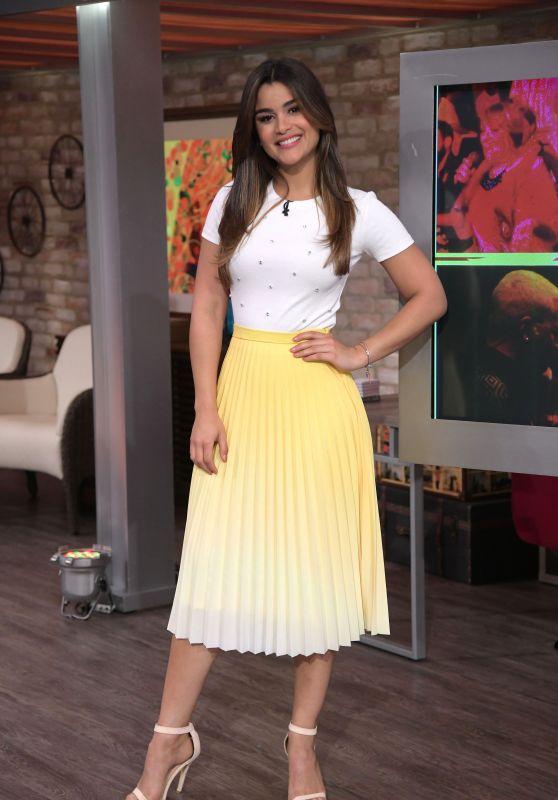 """Clarissa Molina – """"El Gordo y La Flaca"""" TV Show in Miami 08/14/2018"""