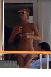 Claudia Schiffer on a Yacht in Tuscany 08/23/2018