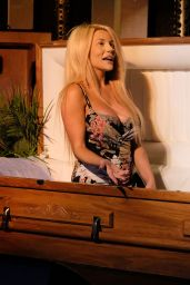 Courtney Stodden - Her First Performance at the Pepperment Club in LA