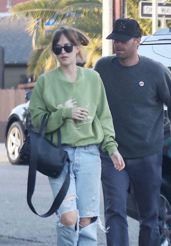 Dakota Johnson and Chris Martin in Santa Monica 08/18/2018