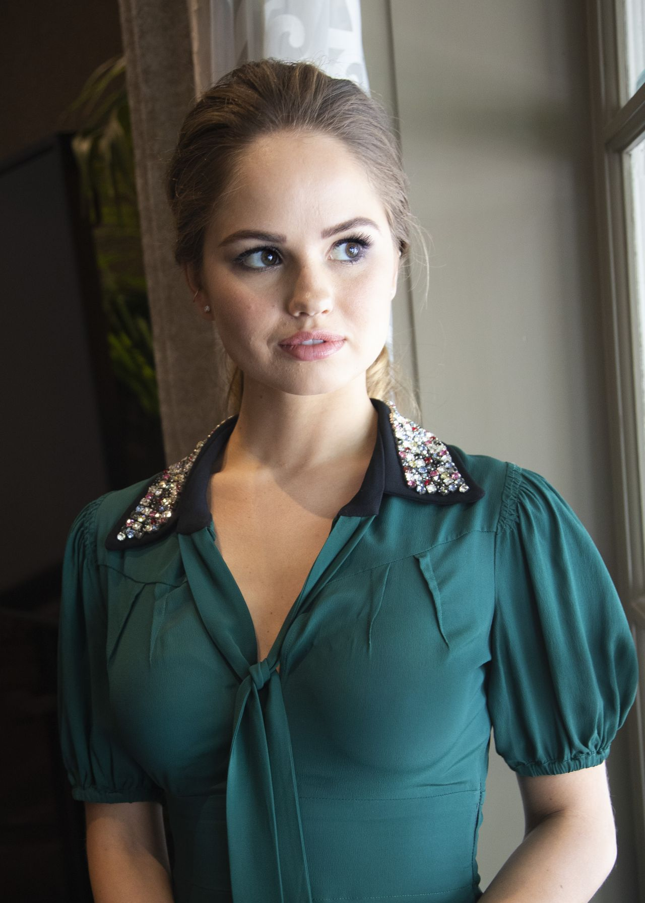 Debby Ryan Height, Workout Routine and Body Measurements