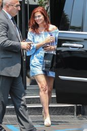 Debra Messing - Leaving XIV Karats, Ltd in Beverly Hills 08/09/2018