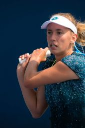 Elise Mertens – Practices Ahead of the 2018 US Open in NYC