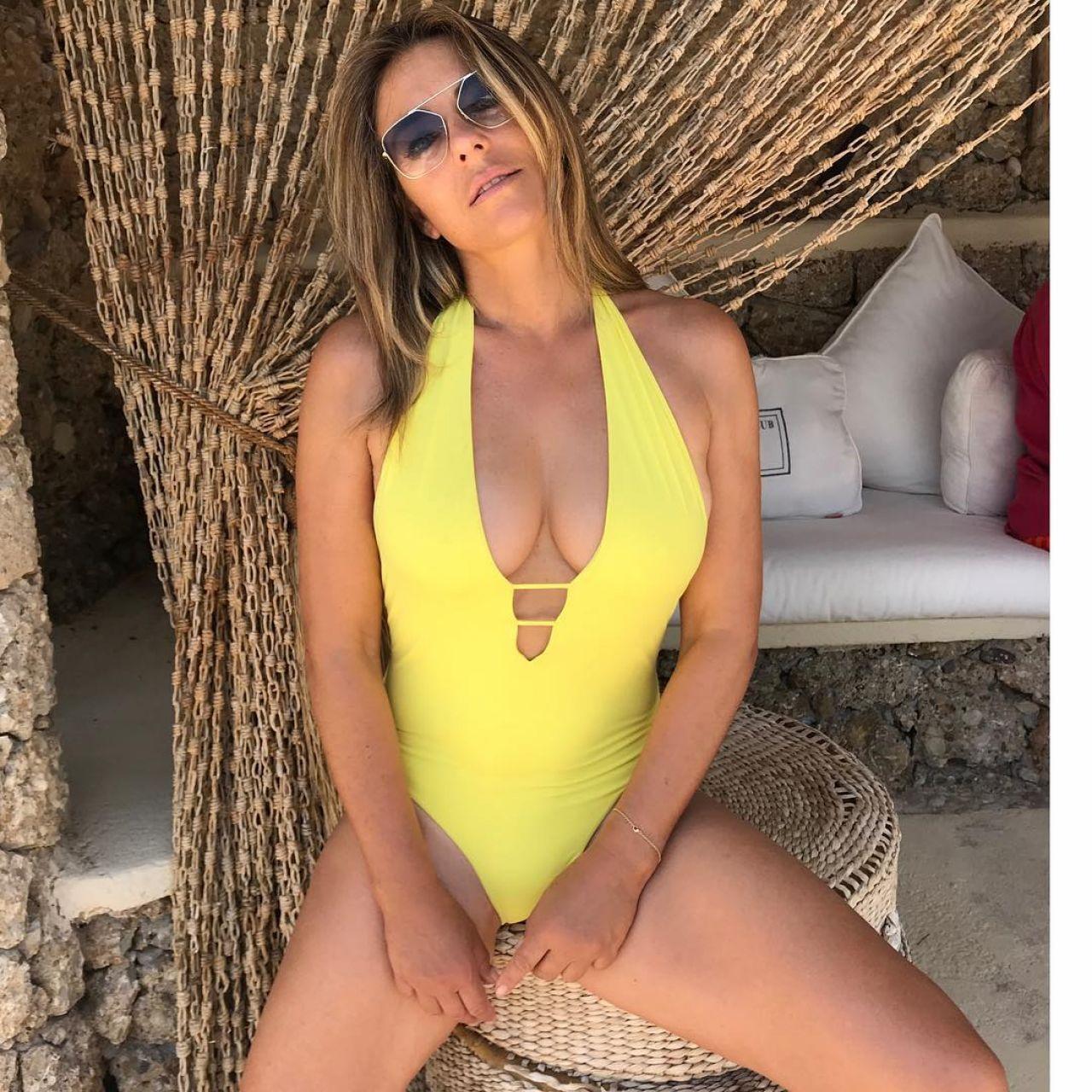 Bikini Elizabeth Hurley naked (92 photo), Ass, Hot, Feet, underwear 2017