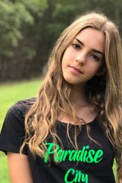 Emily Feld - Personal Pics, August 2018