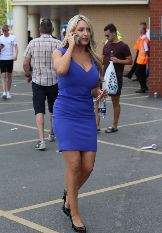 Emma Louise Jones - Arriving at Elland Road Leeds 08/05/2018