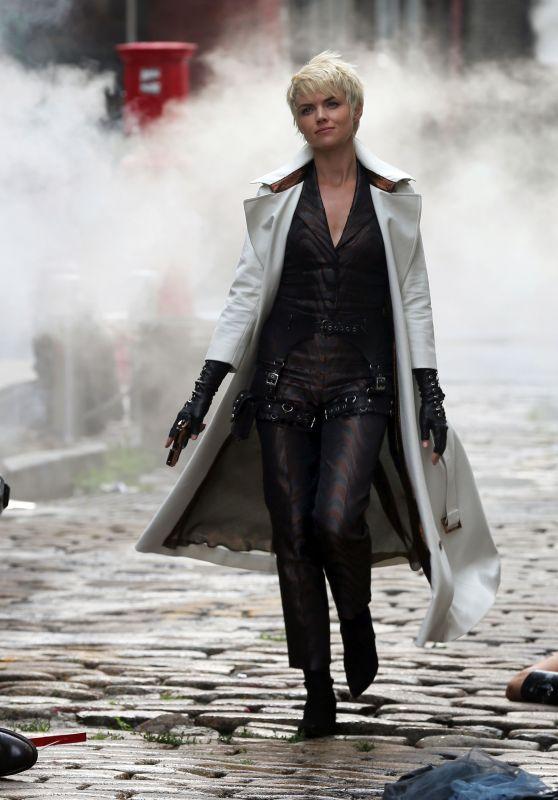 "Erin Richards - ""Gotham"" Final Season Set in NY 08/07/2018"