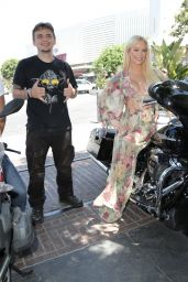 Gigi Gorgeous – Kiehl's LifeRide For amfAR in LA 08/06/2018