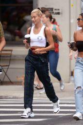 Hailey Baldwin Street Style - Out in Brooklyn 08/04/2018