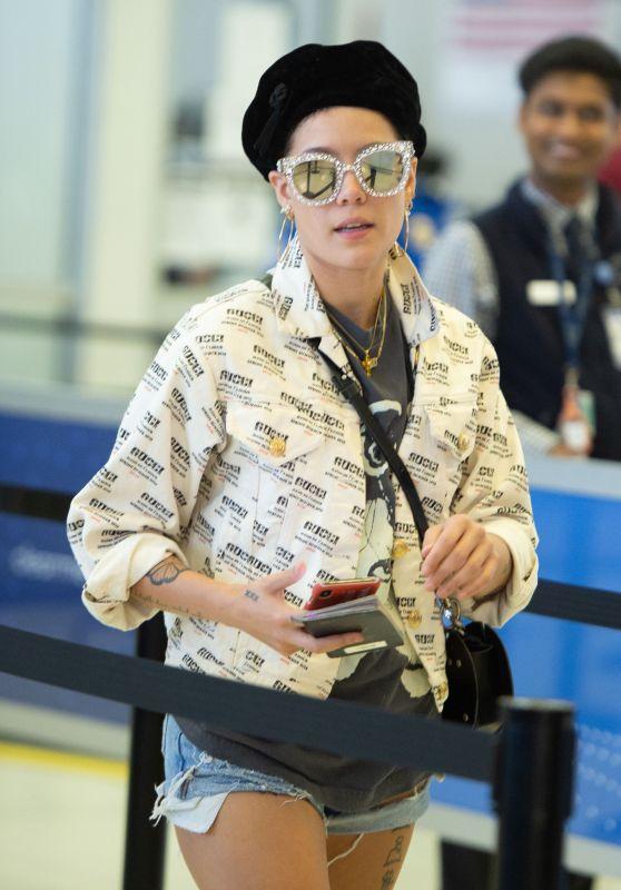 Halsey - JFK airport in New York 08/23/2018