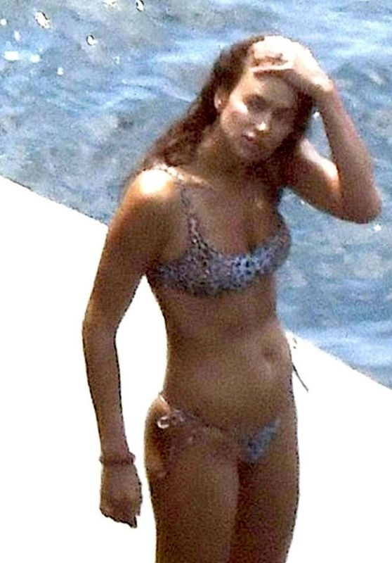 Irina Shayk in Bikini on Holiday in Positano 08/03/2018