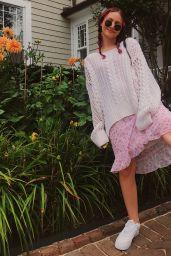 Iris Apatow – Social Media 08/10/2018