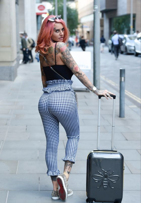 Jemma Lucy - Leaving House Of Evelyn Hair and Beauty Salon in Manchester 08/02/2018