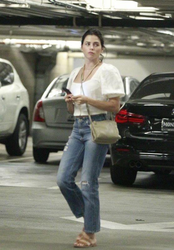 Jenna Dewan - Running Errands in LA 08/21/2018