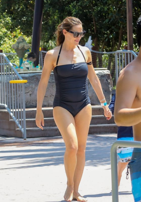 Jennifer Garner in a Black Swimsuit at Legoland in Carlsbad 08/22/2018