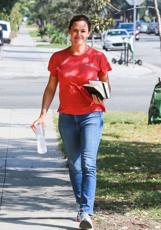 Jennifer Garner - Out in Brentwood 08/20/2018