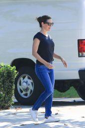 Jennifer Garner - Runs Errands in Brentwood 08/23/2018