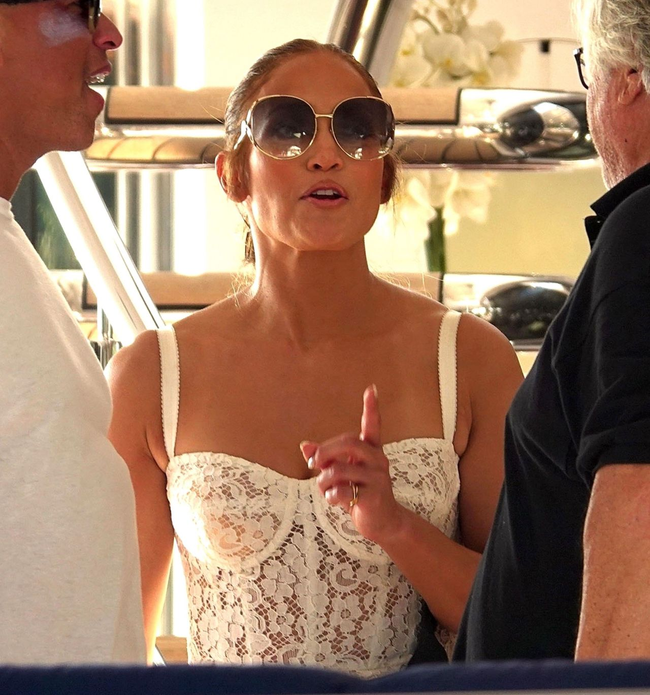 jennifer-lopez-and-alex-rodriguez-on-their-luxury-yacht-in-capri-08-07-2018-1.jpg
