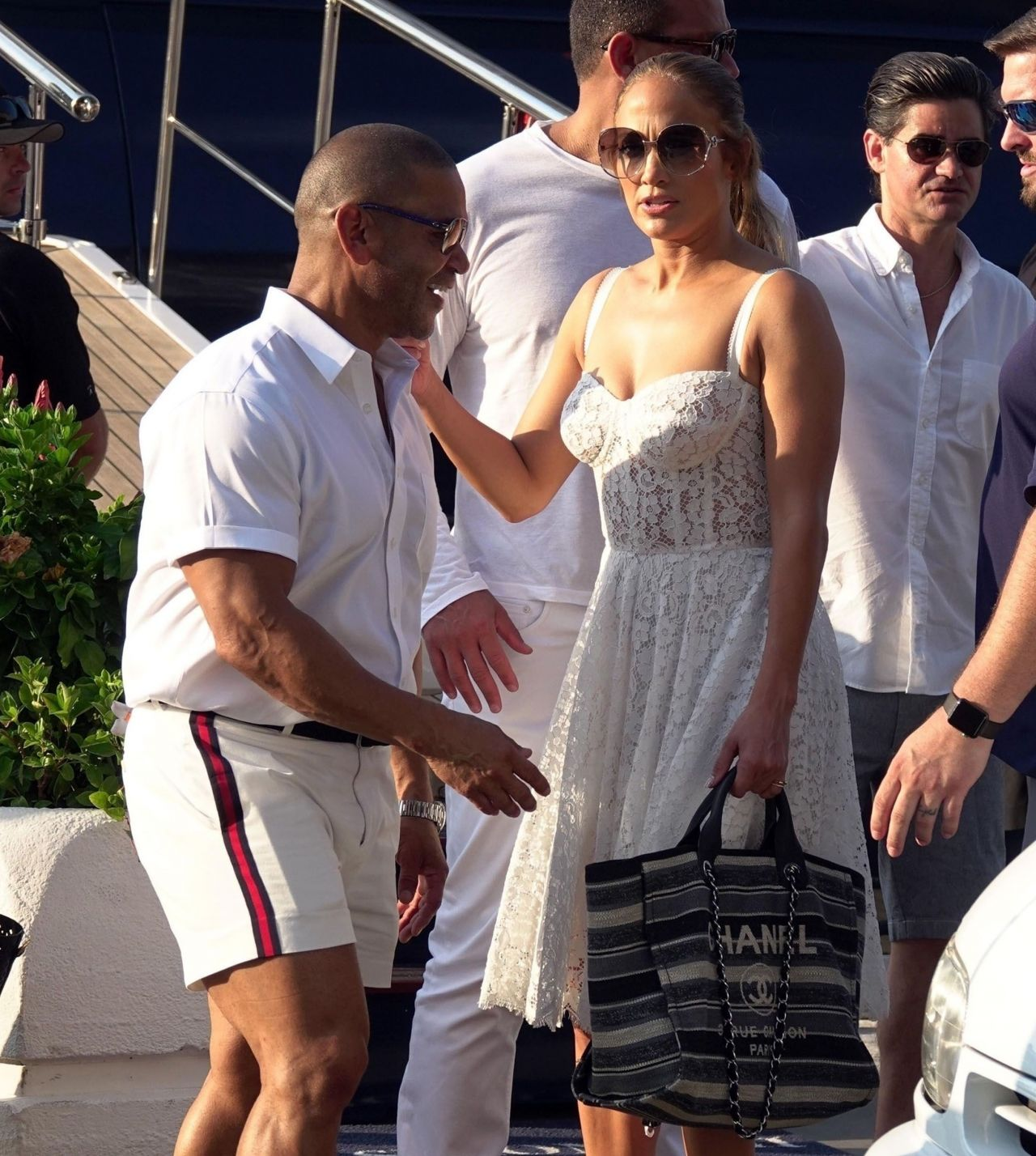 jennifer-lopez-and-alex-rodriguez-on-their-luxury-yacht-in-capri-08-07-2018-11.jpg