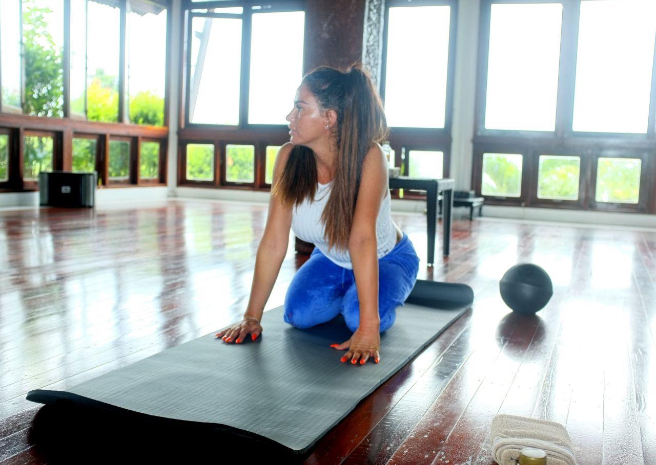 Katie price thai workout in thailand - 2019 year