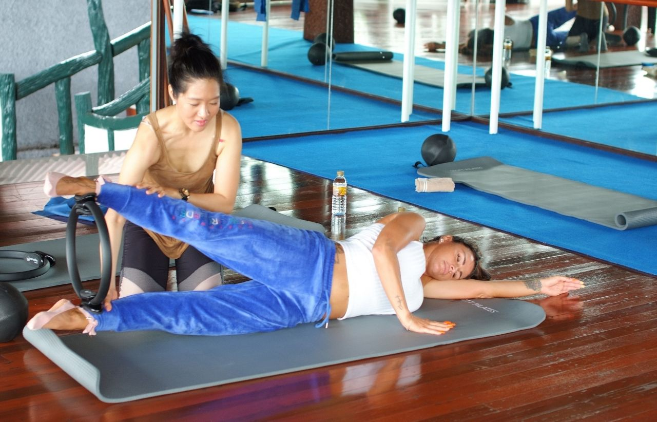 Katie price thai workout in thailand new picture