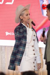 Katy Perry - Makes an Instore Appearance in Brisbane 08/10/2018