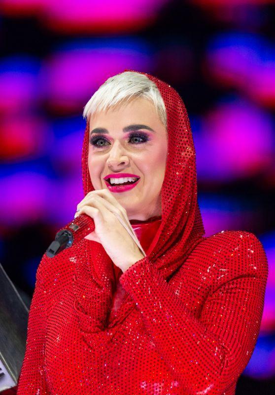 Katy Perry - Performs at Qudos Bank Arena in Sydney 08/13/2018