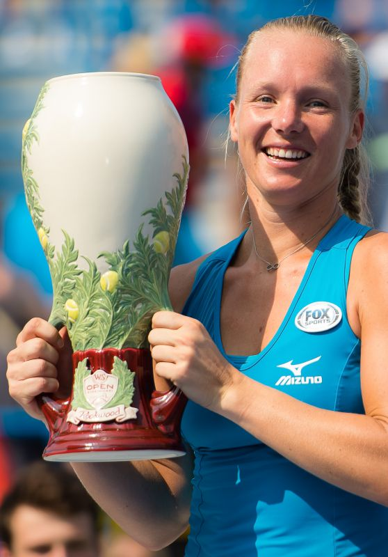CINCINNATI 2019 - PRONOSTICS & CLASSEMENTS WTA  Kiki-bertens-2018-western-and-southern-open-in-cincinnati-winner-08-19-2018-9_thumbnail