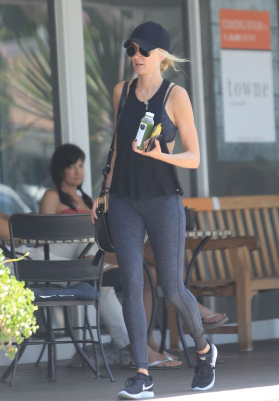 Kimberly Stewart - Out in Beverly Hills 08/18/2018