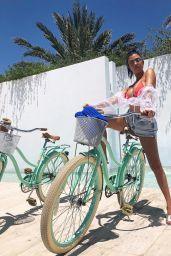 Kourtney Kardashian - Personal Pics 08/28/2018