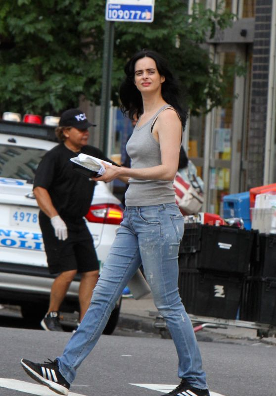 "Krysten Ritter - ""Jessica Jones"" Set in NYC 08/01/2018"