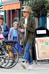 Kylie Minogue - Out in Primrose Hill 08/13/2018