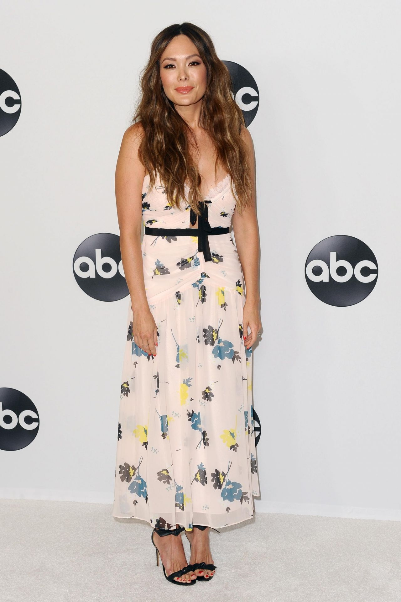 Lindsay Price Abc All Star Happy Hour At 2018 Tca Summer