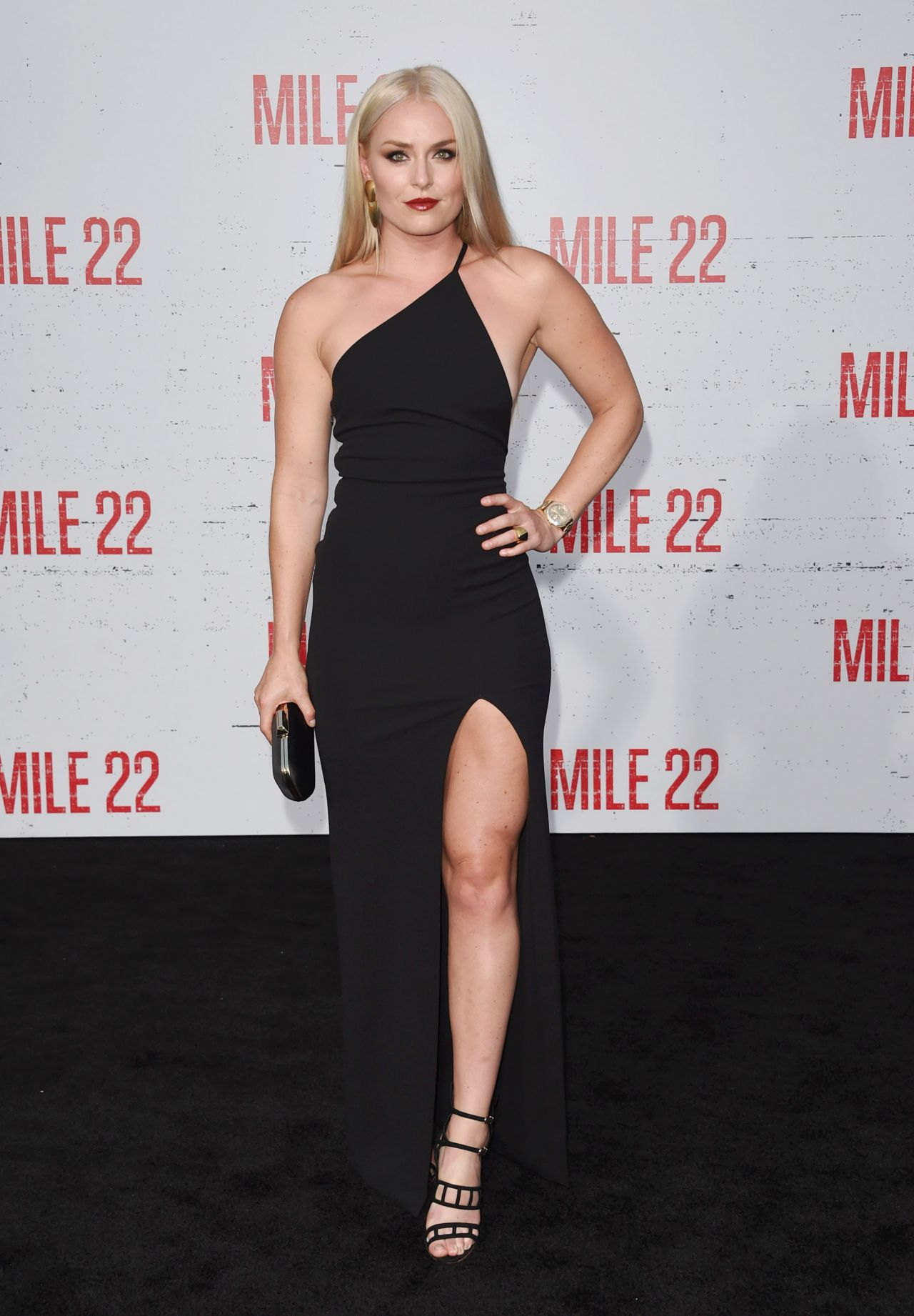 Lindsey Vonn glam and gorgeous at Mile 22 movie premiere