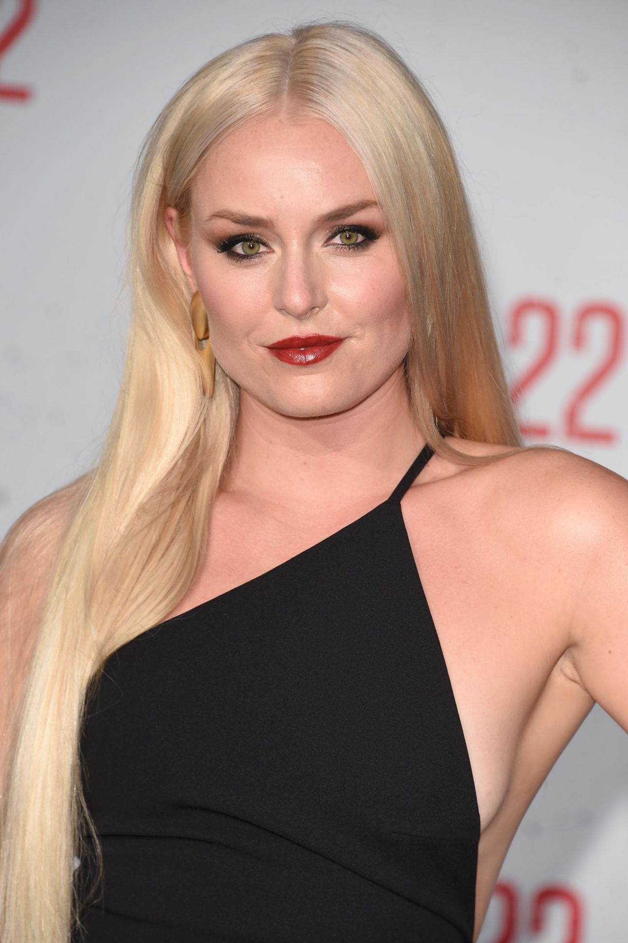 Lindsey Vonn Quot Mile 22 Quot Premiere In Los Angeles