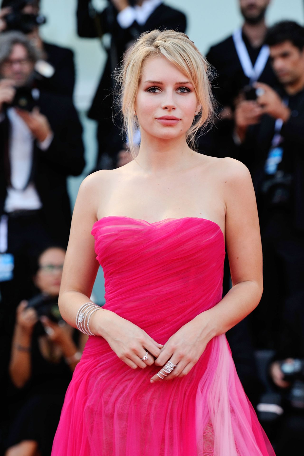 """Lottie Moss – 2018 Venice Film Festival Opening Ceremony and """"First Man"""" Premiere"""