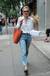 Maggie Gyllenhaal Shopping at Rachel Comey Boutique Store in NYC 08/19/2018