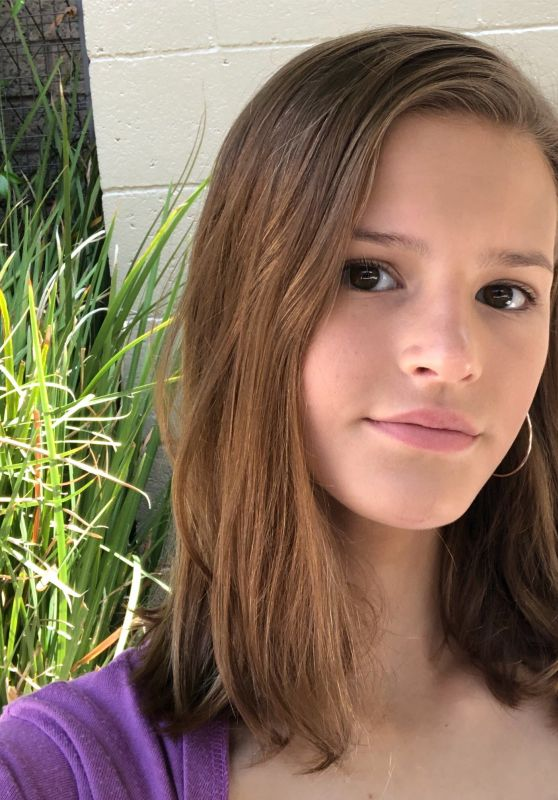 Peyton Kennedy - Personal Pics 08/28/2018