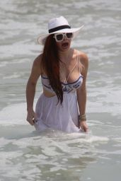 Phoebe Price in Malibu 08/13/2018