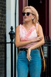 Pixie Lott Street Style - Soho in Central London 08/15/2018