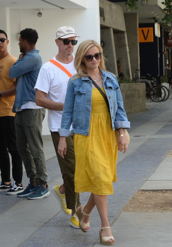 Reese Witherspoon and Jim Toth in Santa Monica 08/04/2018