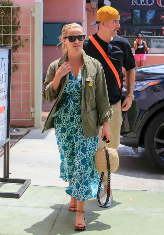 Reese Witherspoon - Out for Lunch in LA 08/05/2018