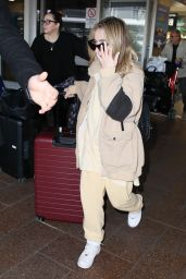 Sabrina Carpenter - Airport in Sydney 08/31/2018