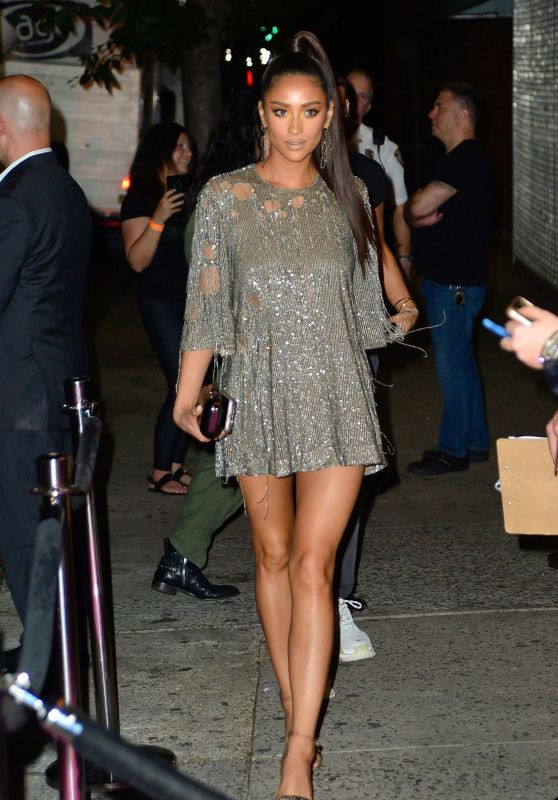 Shay Mitchell – Arriving at JLo's 2018 VMA Afterparty in NY