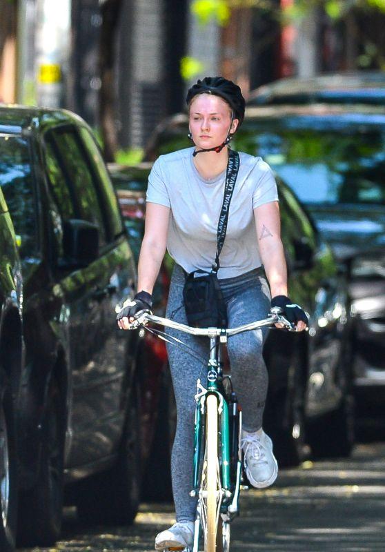 Sophie Turner and Joe Jonas on a Bicycle Ride in NYC 08/08/2018